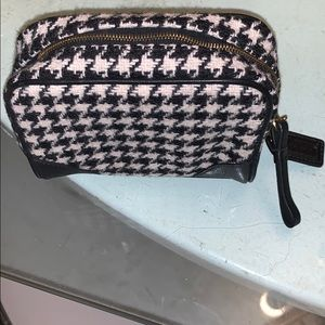 Coach cosmetic pouch houndstooth